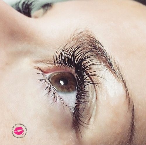 brown-eyes-lash-extensions